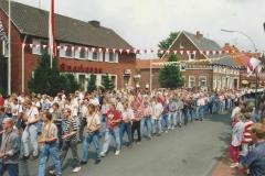 1992 Parade auf der Hauptstraße