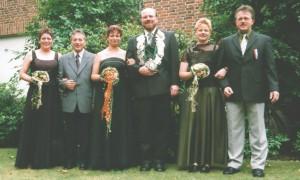 2001 Thron foto Roswitha Schlätker, Klaus-Peter Franke, Irmi Bölling, Bernhard Schlätker, Anja Franke, Felix Bölling