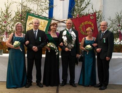 2013 Thron v.l. Karin Kleweken,Thomas Zalwert, Mariola Zalwert, Christian Dieker, Elisabeth Theling, Friedhelm Kleweken fuer Paare