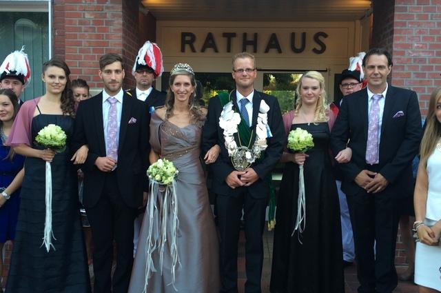 2015 Thron Jens Elfering und Jessica Wibbe, mit Jana Reus, Niklas Siebenbrock, Laura Lichtenberger, Richard Wibbe